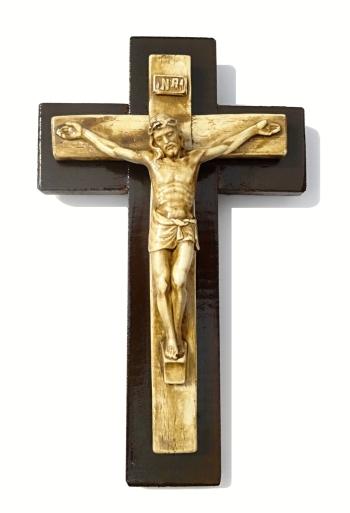 Kríž: drevený so sadrovým korpusom (KTC)