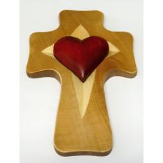Kríž: drevený, 1 srdce - výrez