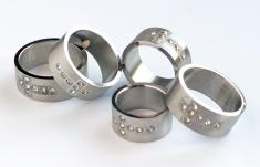 Prsteň (1195) - ležiaci krížik Swarovski - Veľkosť: 16 - 17 - 18 - 19 - 20 - 21 - 22 mm