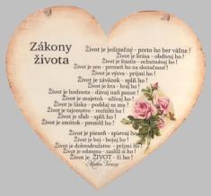 Drevené srdce: Zákony života (citát Matky Terezy)