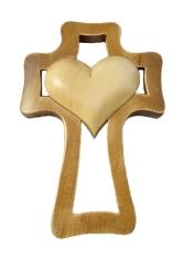 Kríž: drevený, 1 srdce - prírodné (LK001)
