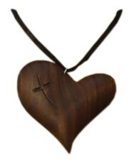 Prívesok: drevené srdce - Orech